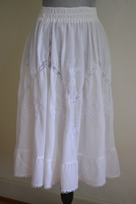 White Prairie Skirt, Vintage Clothes, Vintage Skirt, White Skirt, Full Skirt, Bohemian Clothes